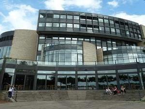 Düsseldorf: NRW hilft Kommunen bei Nutzung von Brachflächen