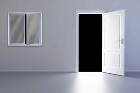 Leere Wohnung Tür Fenster