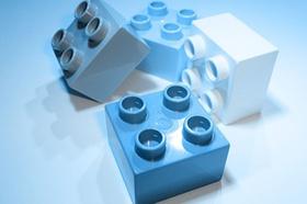 Legosteine_vier Stück_blau und weiß