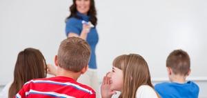 Lehrerin bekommt kein Schmerzensgeld bei Kritik am Unterricht