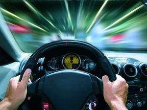 Sicherheitsabstand: Vorübergehend dicht Auffahren erlaubt?