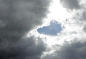 Lichtblick Wolken und Sonne