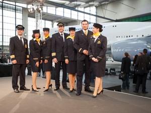 Lufthansa darf mit  Leih-Stewardessen