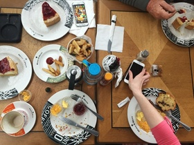 Lunch and Learn: Gemeinsam Mittagessen und voneinander lernen