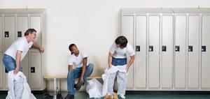 Wann gilt Umziehen als Arbeitszeit - sogar ohne Kleider-Anordnung