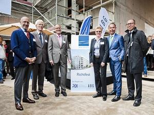 """PDI und ABG feiern Richtfest für """"Main-Arkaden"""" in Frankfurt"""