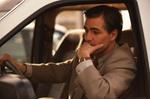 Mann am Steuer im Auto