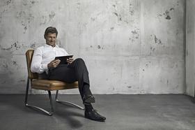 Mann Büro alleine Business-Mann