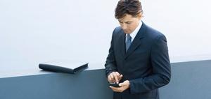 Kopf hoch : Das Smartphone und der Rücken