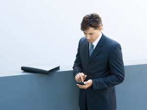 Immer mehr Mitarbeiter verwenden private Mobilgeräte auch im Job