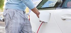 Elektro-Dienstwagen: Aufladen im Betrieb und zuhause