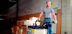 Wer darf Flurförderzeuge im Unternehmen benutzen?