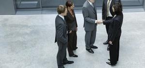 Business Knigge: Sich und andere Vorstellen