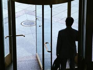 Keine gesetzliche Gleichstellung der Zeitarbeiter in Sicht