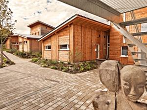 Holzhaus-Siedlung: Gemeinschaftsgefühl für viele Generationen