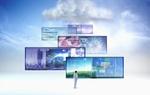 Mensch steht vor mehreren überdimensionalen Bildschirmen mit unterschiedlichen Themen