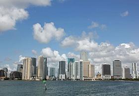 Miami_Stadtansicht vom Meer aus