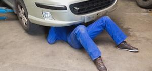 Autohändler muss Transportkostenvorschuss zur Werkstatt leisten