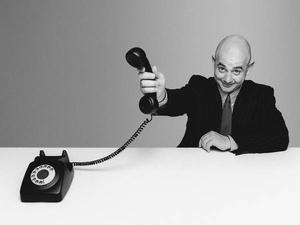 Erreichbarkeit: Kein Anschluss: Mitarbeiter ignorieren Chefanrufe