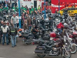 Benefiz: Sächsische Wohnungsgenossenschaften Motorradsternfahrt