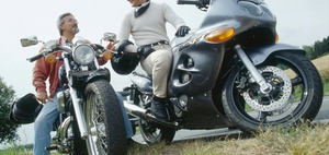 Haftungsaussschluss beim Motorradfahren in Kolonne