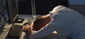 Schlaflos durch die Nacht: Wenn einen die Arbeit nicht los lässt