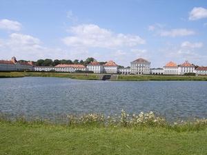 Colliers vermittelt Grundstück in München-Nymphenburg