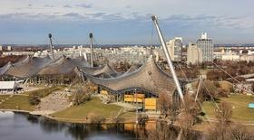 München_Olympiastadion_Hochhäuser