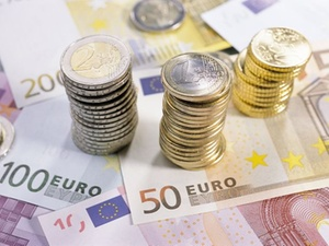 Scope: Anleger investieren rund 1,7 Milliarden Euro