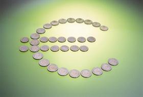 Münzen als Eurozeichen gelegt