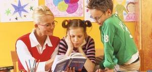 Grundschullehrer muss auch bei geringem Abstand unterrichten