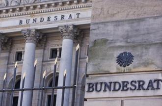 """Finanzierung: Pflegeversicherung: Hamburg will """"grundlegende Kurskorrektur"""""""