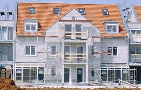 Neubau Mehrfamilienhaus mit Gerüst
