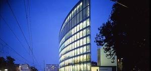 Publity kauft Norman-Foster-Hochhaus in Duisburg