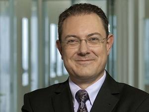 Santander ernennt Oliver Burda zum Arbeitsdirektor