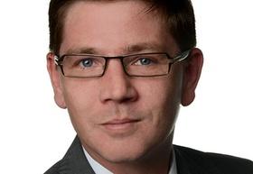 Oliver Schötz-van der Hoff_JLL
