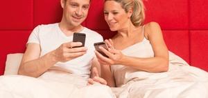 Smartphone-Nutzung nach Feierabend ist nicht empfehlenswert