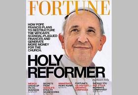 Papst Franziskus auf Fortune-Cover, grauer Hinetgrrund