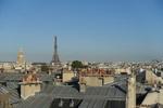 Paris Dächer Blick auf den Eifelturm