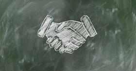 Partnerschaft: Handschlag