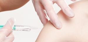 BAG: Keine Haftung des Arbeitgebers für Impfschäden