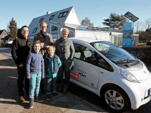 LichtAktiv Haus: Elektrofahrzeug ergänzt Wohnexperiment