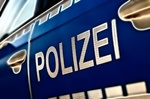 Polizeiauto_Schrift Polizei groß