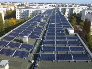 Gelbes Viertel: Bisher größte PV-Anlage auf Berliner Wohngebäuden