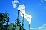 Rauchender Industriekamin