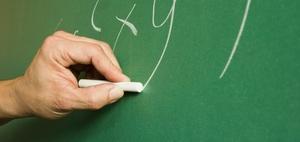 62-jähriger Lehrer muss Einzel-Präsenzunterricht erteilen