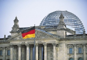 Reichstag in Berlin *** Local Caption *** Originaldia vorhanden