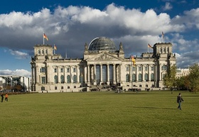Reichstagsgebäude_Platz der Republik_Berlin