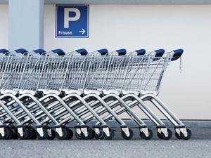 Kfz-Haftpflichtversicherung haftet nicht für Einkaufswagen-Crash