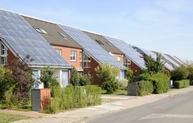 Reihenhäuser mit Solarzellen